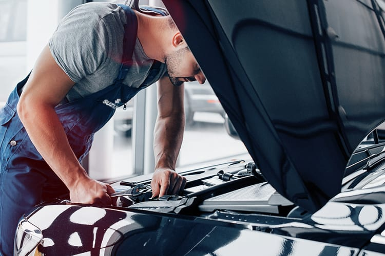 Suzuki onderhoud monteur